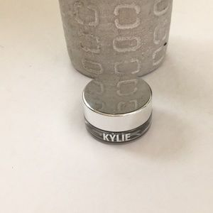 Kylie cosmetics camo creme cream eyeshadow